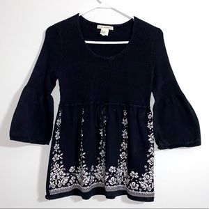 Requirements L black sweater top bell sleeve 1B2